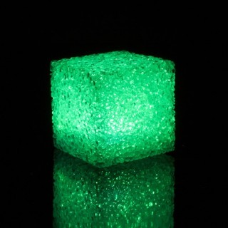 Cube LED effet cristal - 7 cm